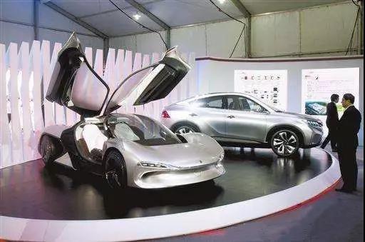 """广东锁定高端产业,全力培育一批""""航母级""""企业"""
