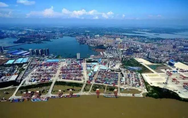 华中国际产业园3.jpg