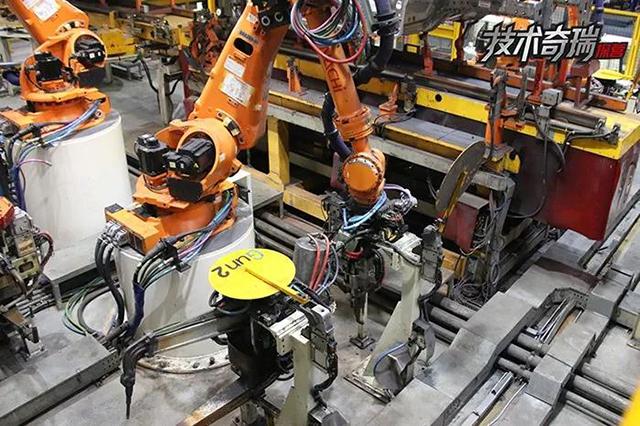 奇瑞工厂车身焊接图2.jpg