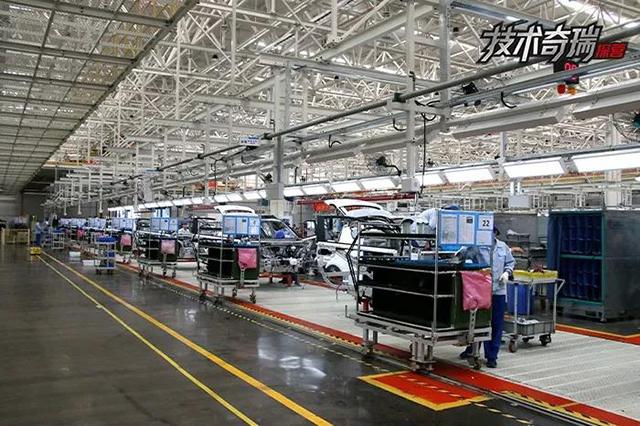 新能源二工厂总装车间设有内饰一线.jpg