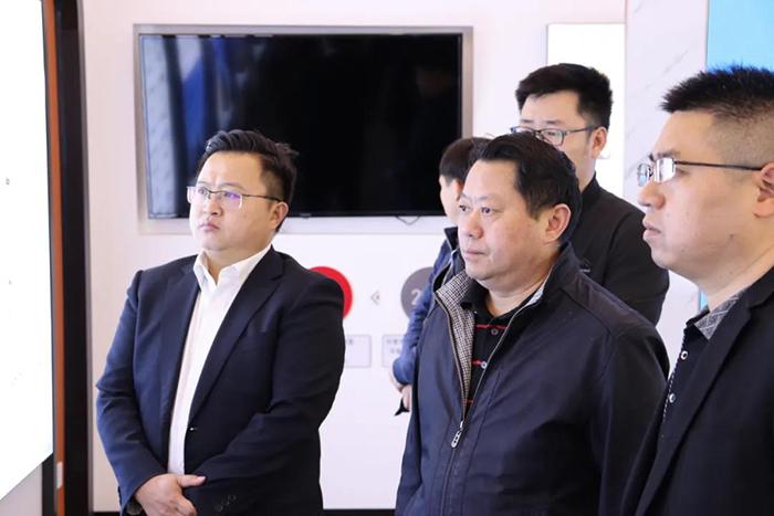 重庆市潼南高新区管委会领导莅临四川伙伴考察1.jpg