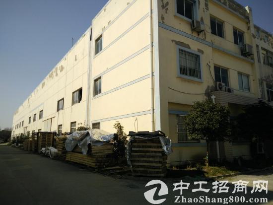 苏州园区独栋单层行车厂房出租2510平米