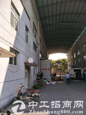 曹安公路1400平仓库出租