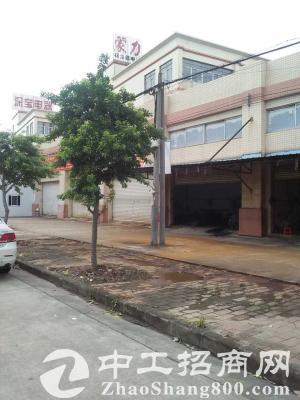 出租港口仓库加工厂建筑门口水泥空地可自行盖在大路边