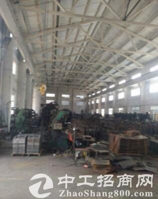 江阴周庄1400方机械厂房,电300kv交通方便