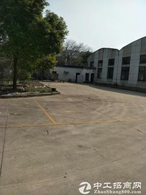 嘉定安亭870平方米带行车厂房出租