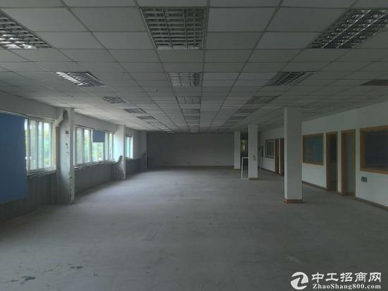 嘉定曹安公路附近4600m²有证双层标准厂房出租有货梯可分租