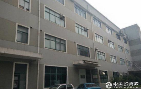 福永新和楼上900平米厂房出租带地坪漆