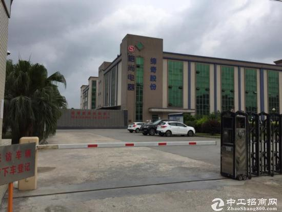 龙岗宝龙高科大道旁1600平精装修厂房招租-图2