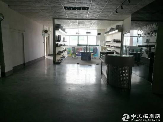 龙岗新出3楼厂房850平带装修出租-图3