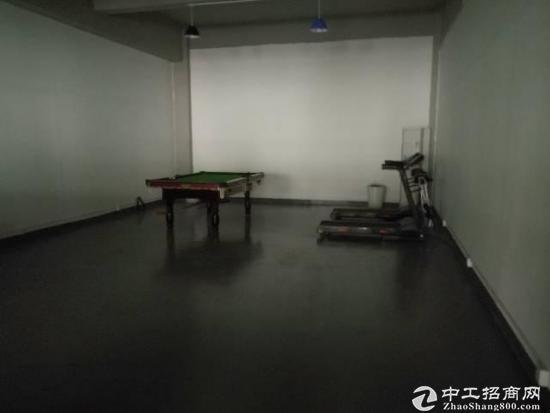 龙岗爱联地铁站一楼标准厂房1200平带装修,可分租-图4