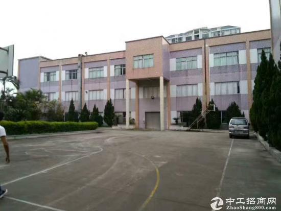 龙岗同乐新出楼上560平米精装修厂房出租
