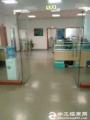 龙岗新生二楼厂房700平整层水电齐全