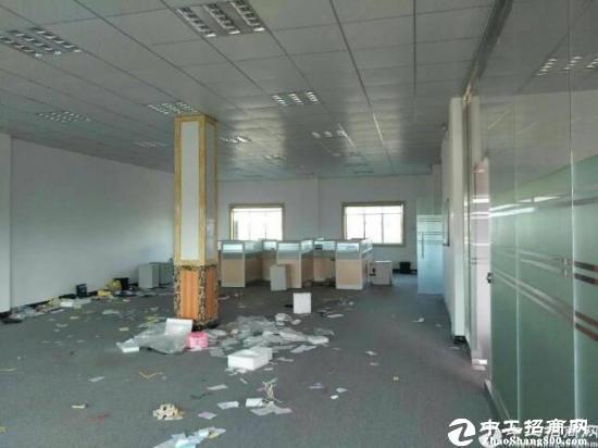 龙岗龙东新出带装修楼上700平方招租可分租