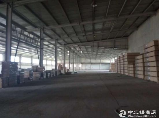 南彩俸伯地铁站可近17米车3770平厂房出租