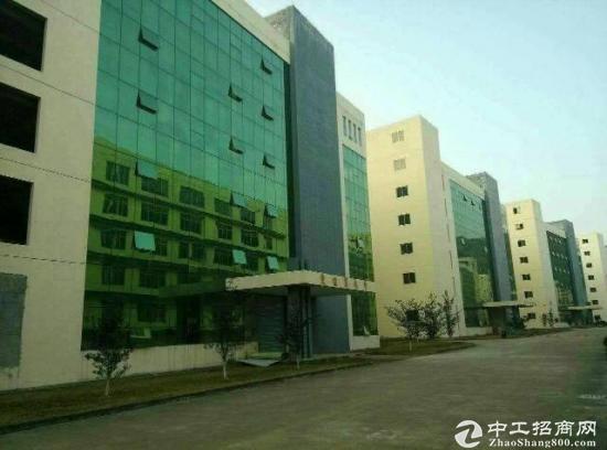 龙岗南联第六工业区1980平米3楼精装修厂房整层招租