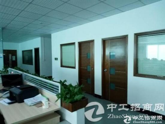 锦厦2楼560方精装修厂房