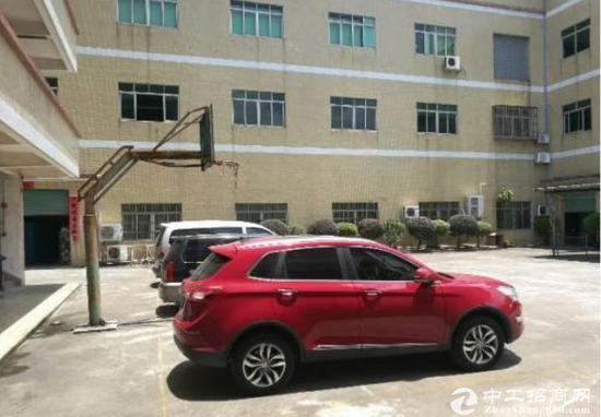 常平镇楼上一整层厂房1600平方大小均有招租