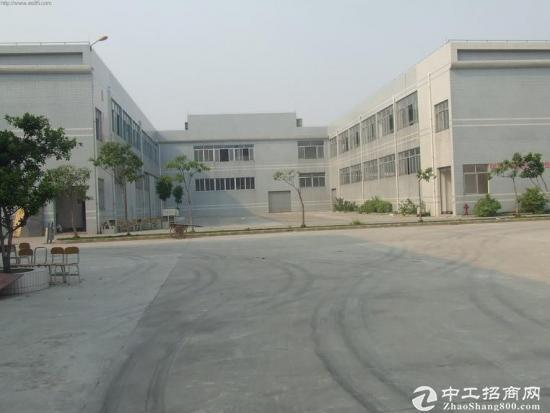 狮岭镇标准花园式2200方厂房出租