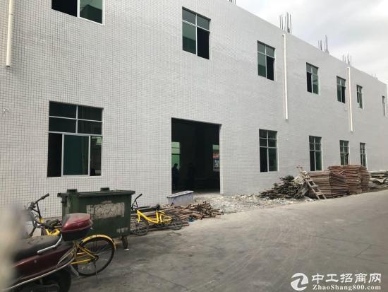 福永凤凰小独院1~2层1400平厂房招租