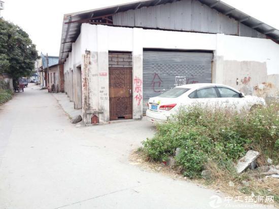 出租 港口一楼仓库 300方 可通大车 停车方便 靠河边-图2