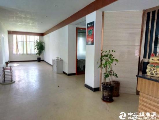 东莞厚街镇下汴新出标准楼上面积1650方出租,高8米
