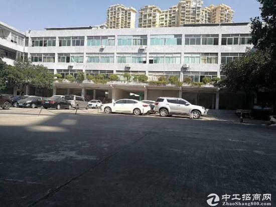 爱南路新出楼上300,420平装修厂房-图2