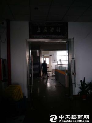公明南光高速出口楼上2200平方带豪华装修厂房出