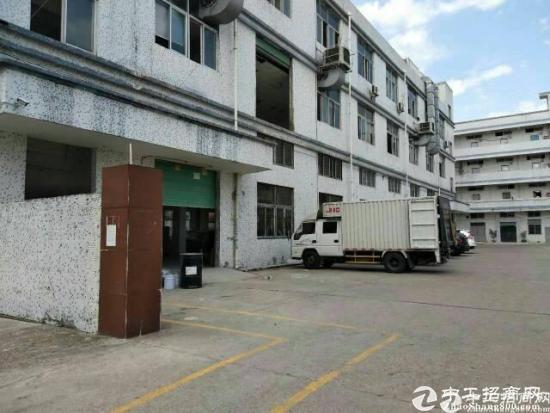 龙岗坪地6米高标准一楼厂房出租。