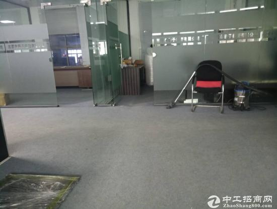 乌沙大润发旁500平方一整层带办公室装修出租