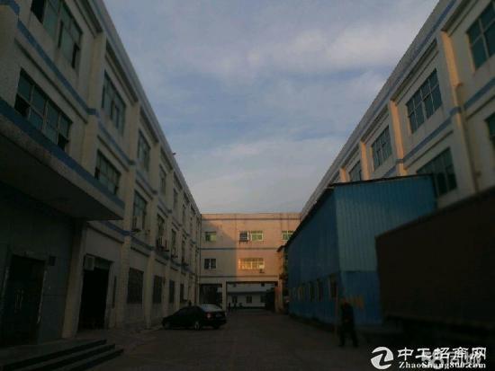 坪山高速路口3000平整层厂房出租 18元/平米