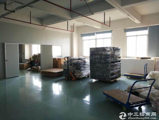 霄边新出楼上500平米一整层厂房出租主线到位