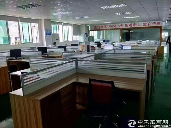 龙华清湖地铁口单层2100平共4200平,可分租-图8