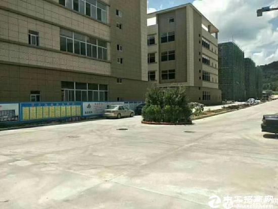 东莞厚街靠大岭山高速出口全新厂房4478方有装修