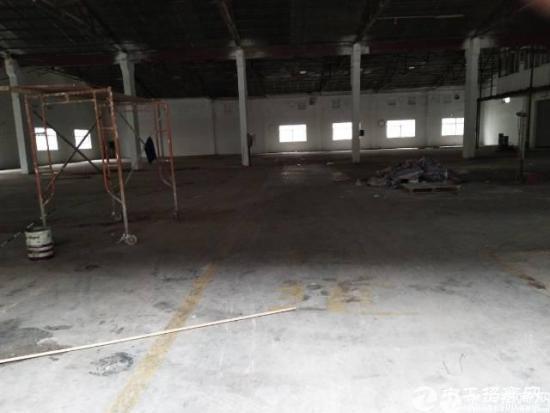 南城新出单层厂房2600平方米招租
