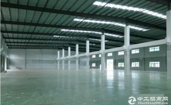 保安围新出单一层钢构厂房1300平空地大原房东招租环境优美