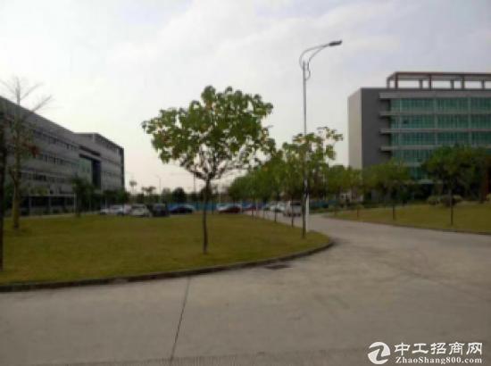 东莞市大岭山镇占地8500㎡建筑26000㎡国有证厂房出售