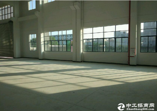 常平新出一楼2500平方米带装修厂房出租