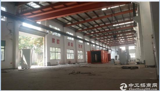 城东开发区独门独院火车头式4000平厂房 可分割 产证齐全