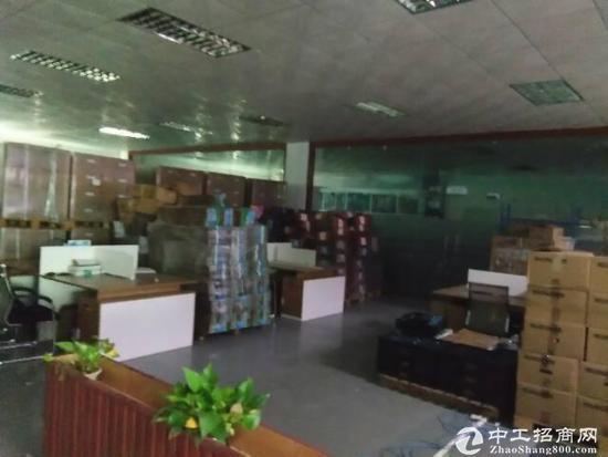 福永沿江高速出口附近新出楼上2600豪华装修出租-图3