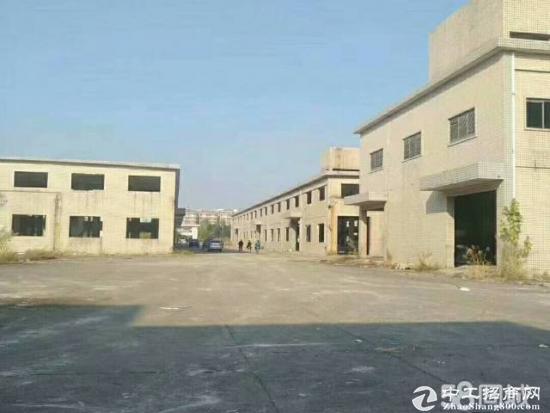 长安靠深圳塑胶喷油独门独院5000平厂房招租