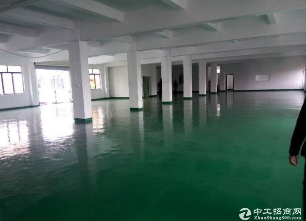 黄江北岸新出楼上1000平米厂房对外招租