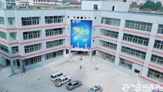 根玉路边大型工业园内楼上标准厂房800平带装修