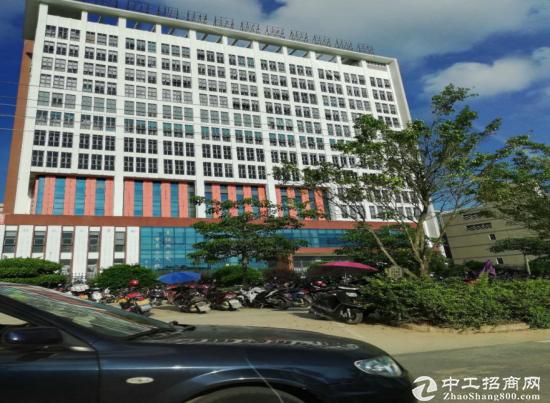 惠州惠阳区靠路边漂亮国有证120000平方厂房出售,适合自用投资