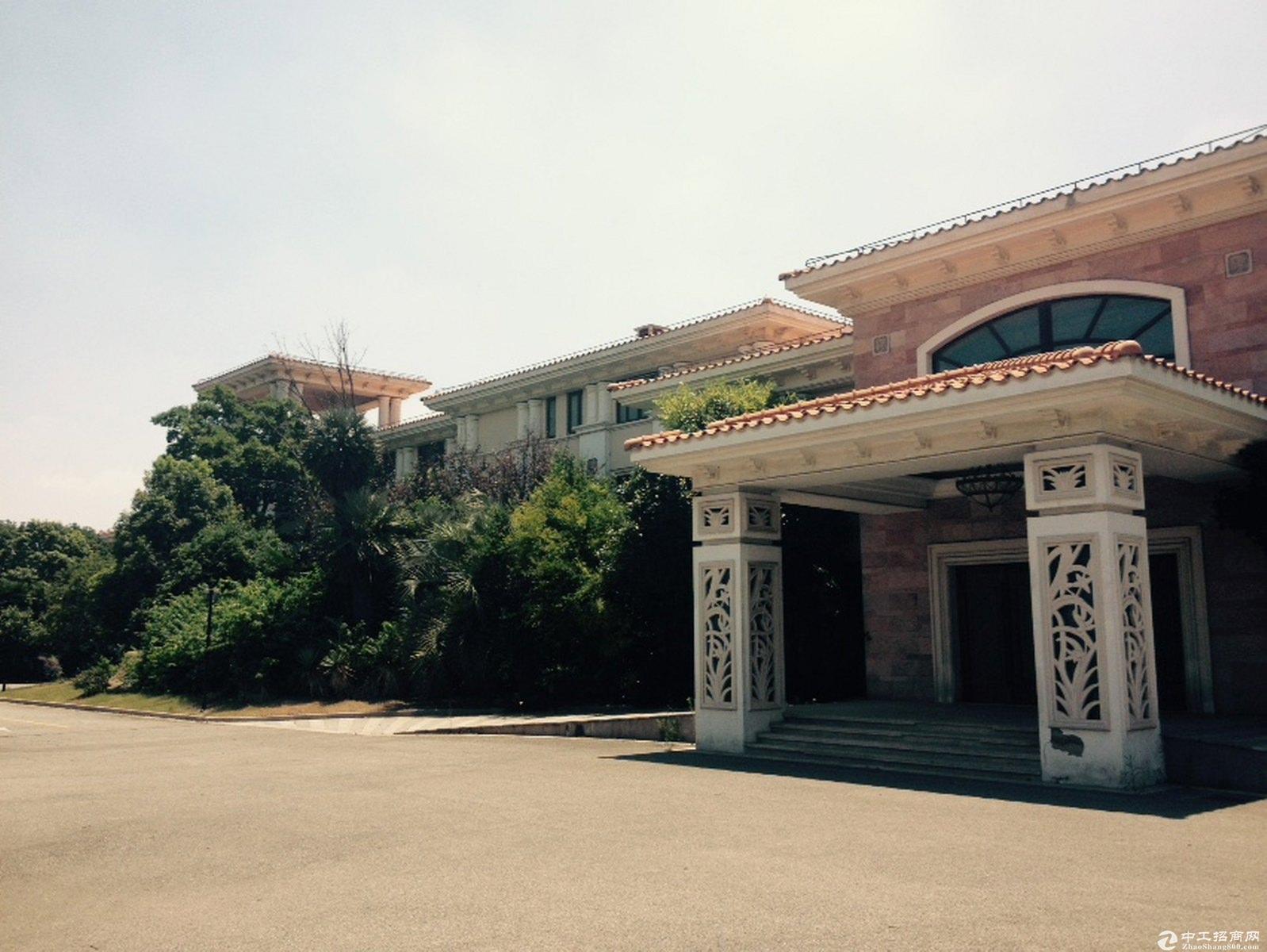 佘山欢乐谷25亩独院大型度假别墅依山傍水售