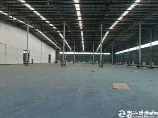龙华梅林关6000平米物流仓库出租,带卸货平台