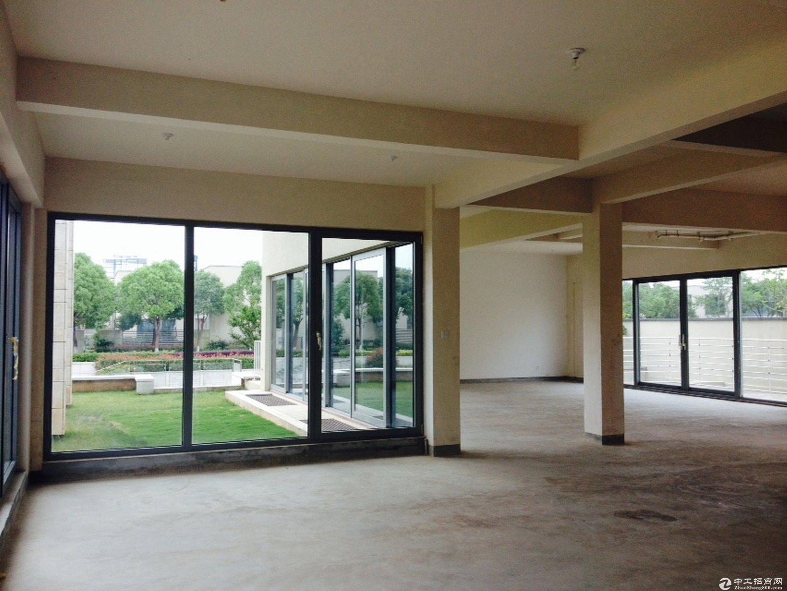 嘉定安亭园区独栋精装三层办公展示生产仓储一体化
