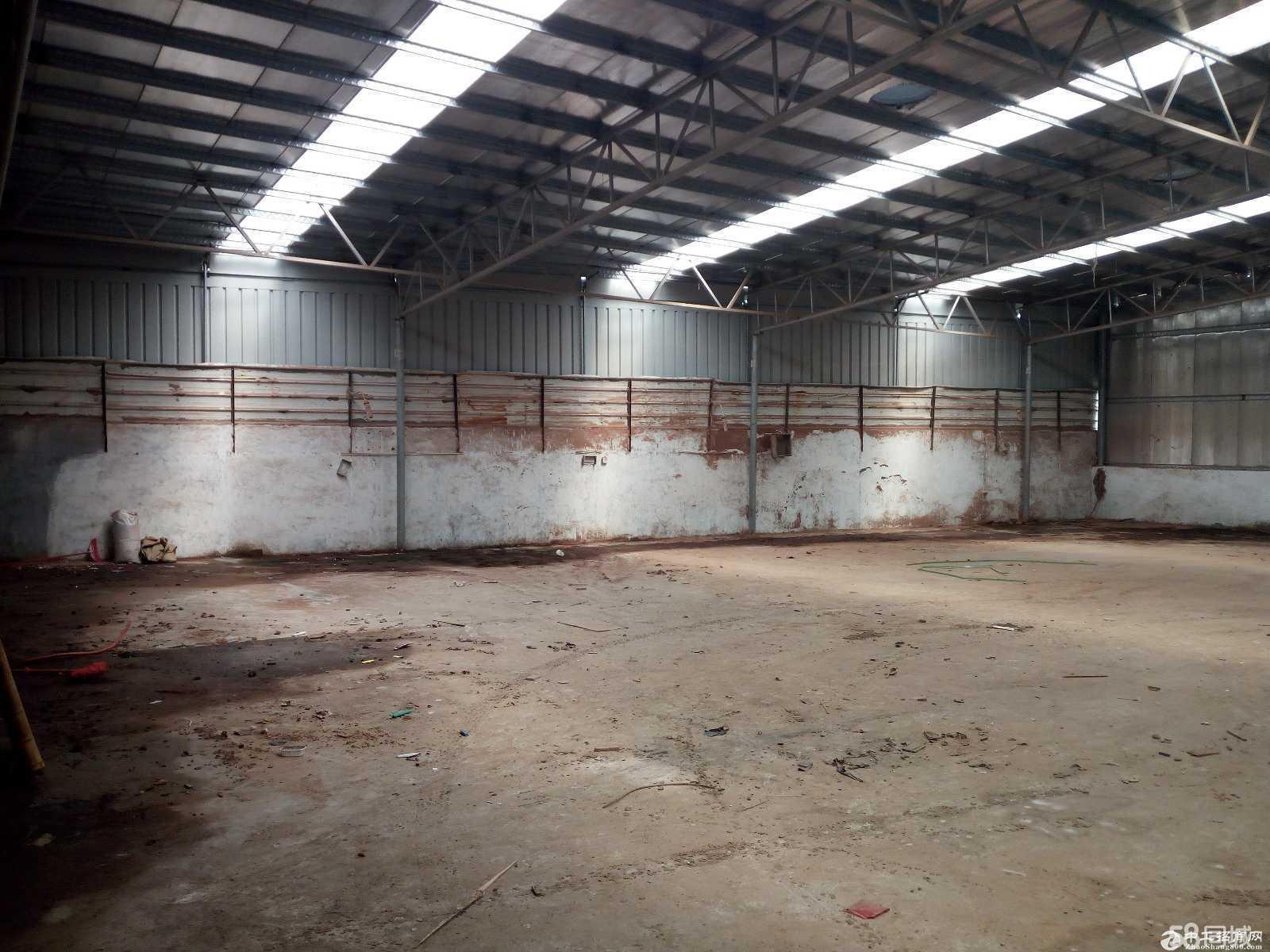 出租港口大南一楼厂房 仓库有300方的院子厂600方马路宽大