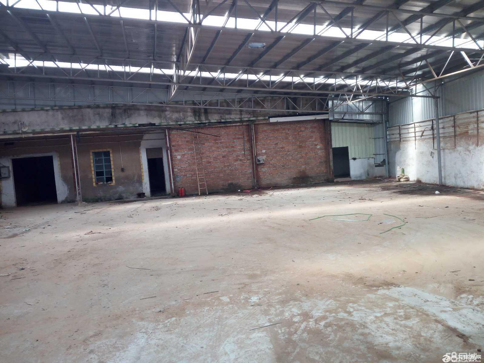 出租港口大南一楼厂房 仓库有300方的院子厂600方马路宽大-图3