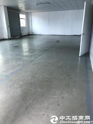 横岗安良主干道边一楼新出精装厂房550平米招租